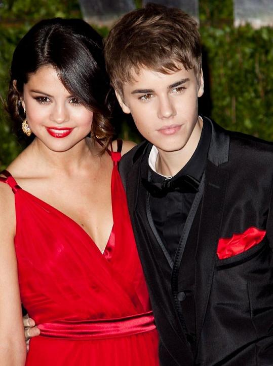 Mladý pár Selena Gomez a Justin Bieber.
