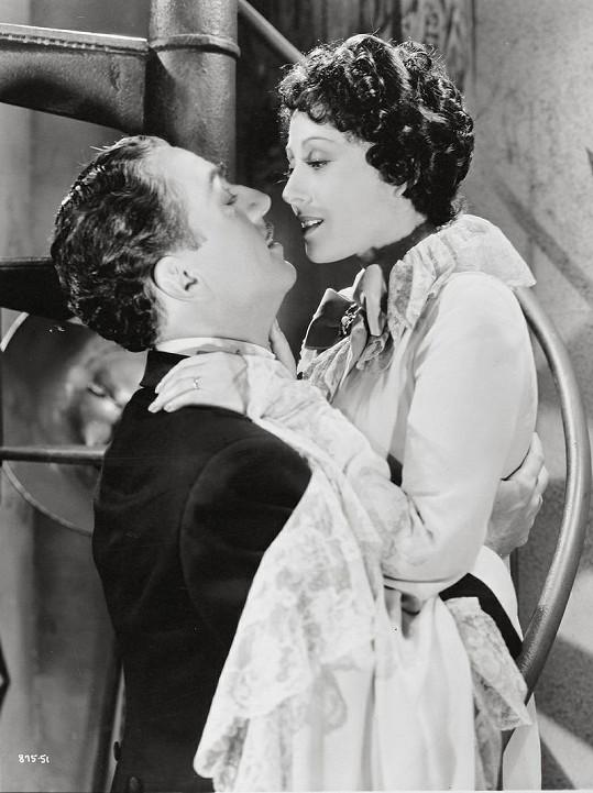 Rainer s Williamem Powellem ve filmu z roku 1936 Velký Ziegfeld.