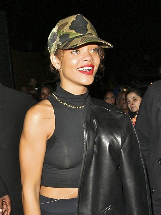 Rihanna bude spolu s dalšími hvězdami hledat návrhářský talent.