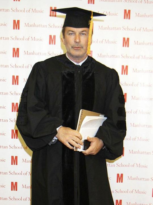 Alec Baldwin nedávno získal titul doktor.