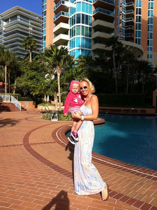 Zuza je šťastná, že může strávit mateřskou na slunné Floridě.