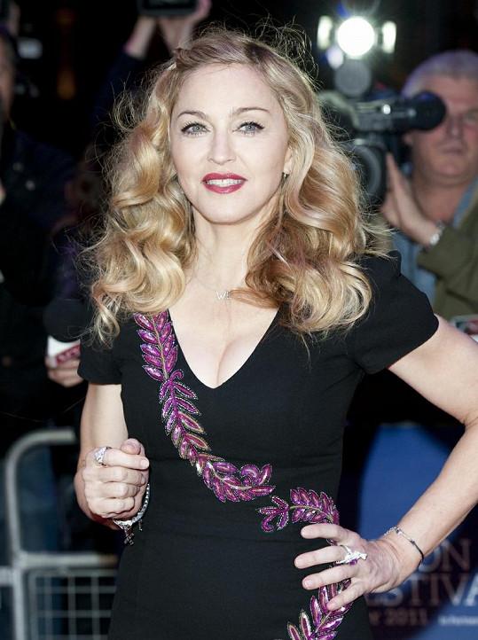 Madonna na premiéře filmu W.E ve Westminsteru.