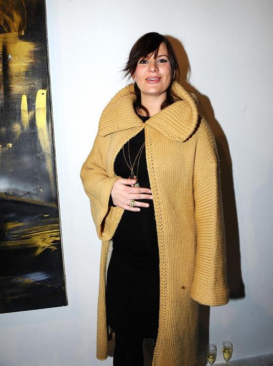 Jitka Čvančarová si těhotenství přes potíže užívá.