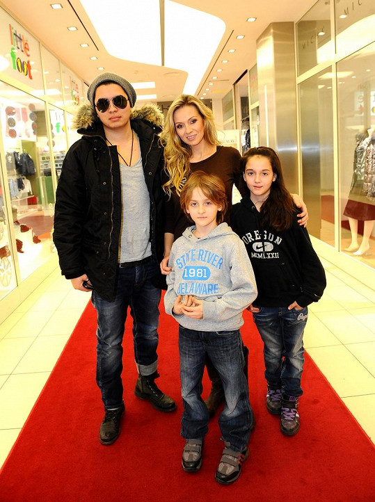 Marcus Tran, Martina Gavriely a její děti.