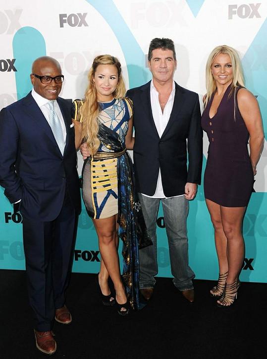 Britney s ostatními porotci soutěže X Factor.