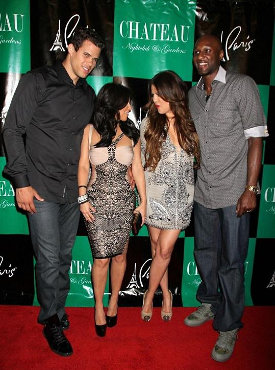 Zleva: Kris, Kim, Khloe a Lamar.