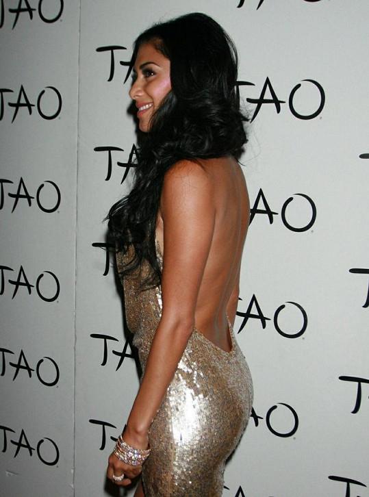 Rafinované šaty Nicole Scherzinger obdivoval téměř každý účastník párty.