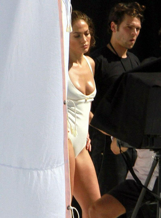 Božská Jennifer Lopez fotila s Mariem Testinem.