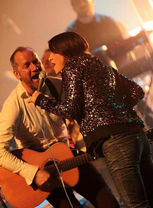 David Koller a jeho hudební host Lenka Dusilová.