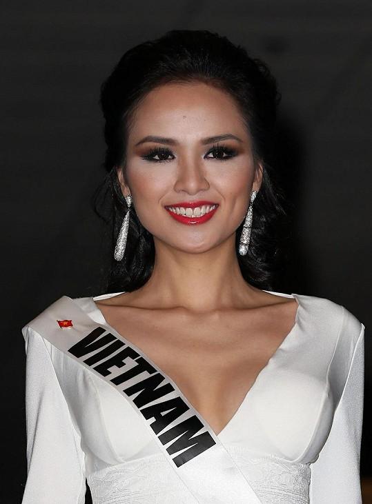 Miss Vietnam Luu Thi Diem Huong.