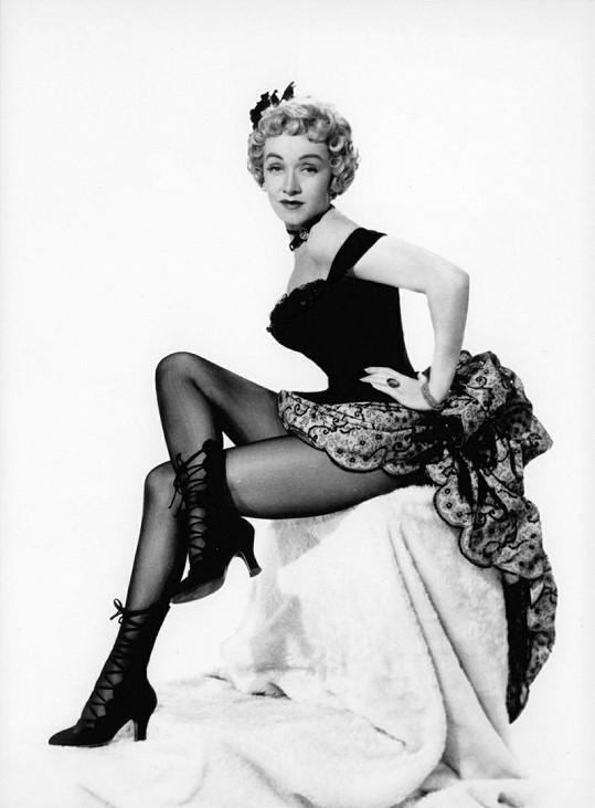 Byla spíše zajímavá než krásná. Nohy měla od Boha. Ukázala je v jednapadesáti ve filmu Ranč zlosynů.