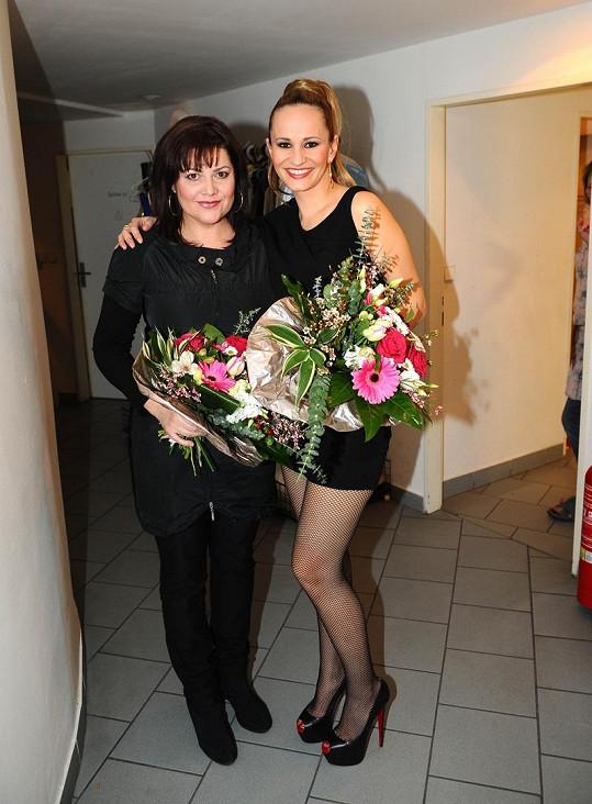 Monika s Ilonou Csákovou po představení Kleopatry.