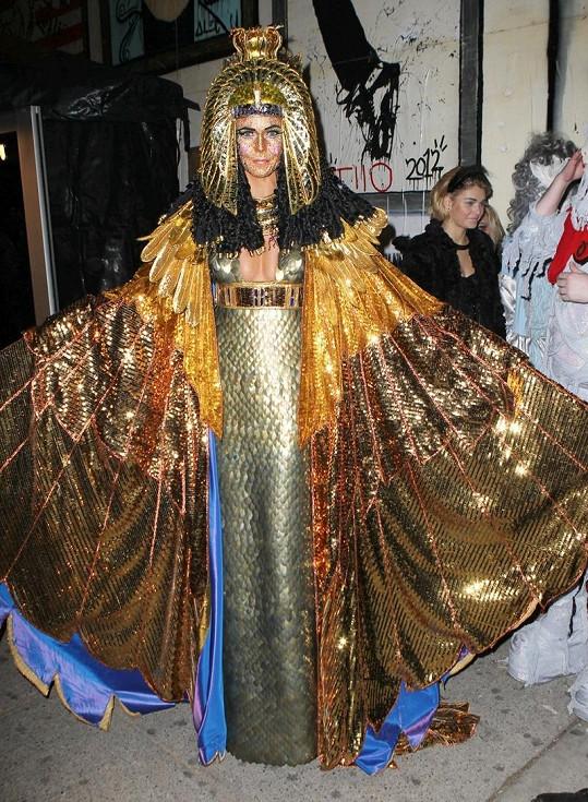 Heidi Klum jako sexy Kleopatra.