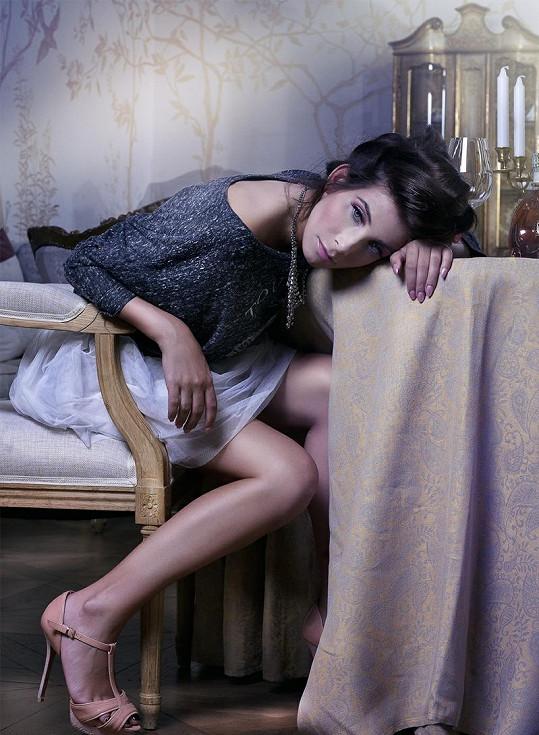 Eva Decastelo má i po dvou dětech dokonalé tělo.