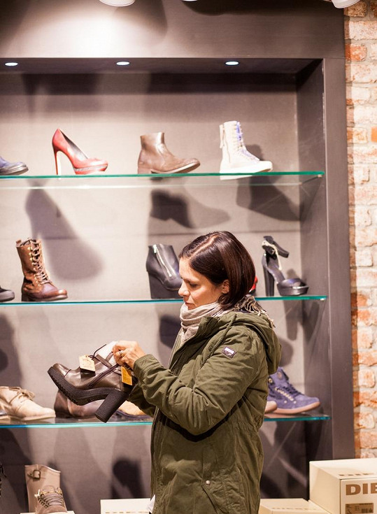 Došlo i na výběr bot.
