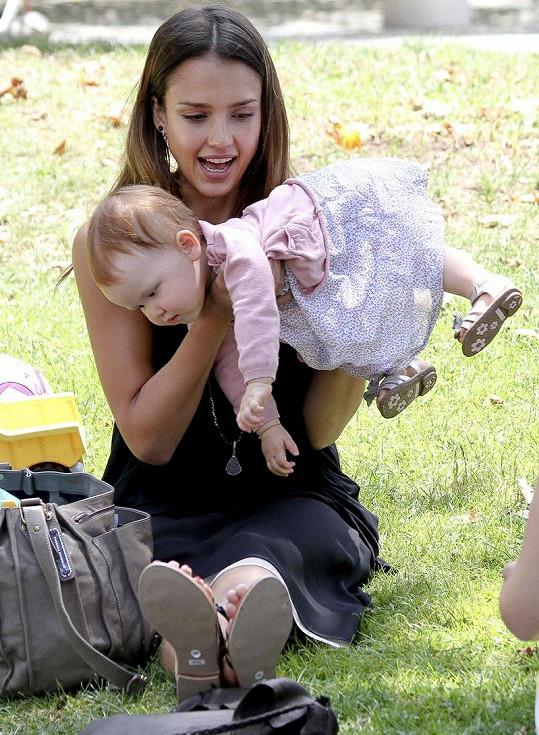 Jessica Alba dováděla s dcerkou Haven.