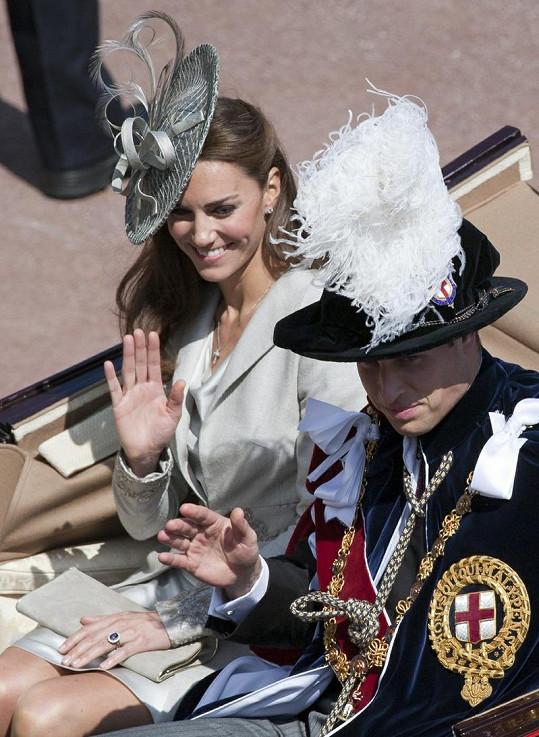Královský manželský pár v celé parádě.