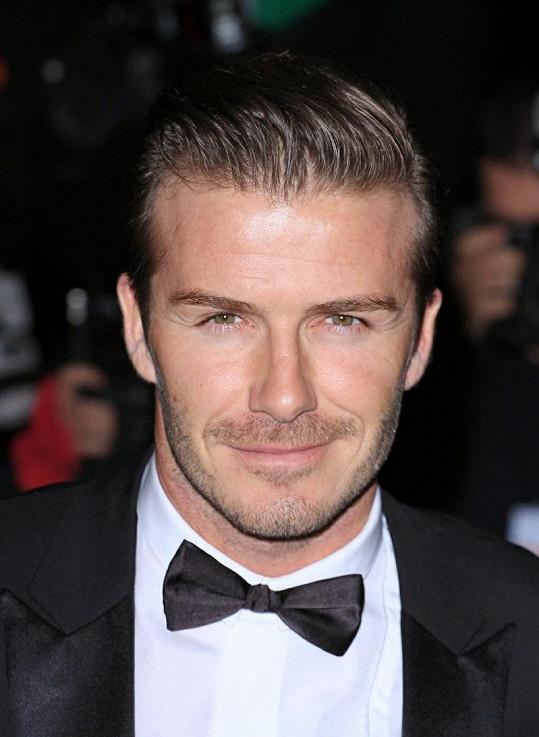Charismatický Beckham na předávání vojenských ocenění v Londýně.