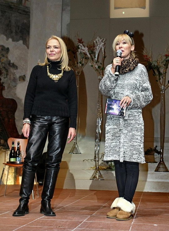 Dagmar Havlová s Kateřinou Hrachovcovou.