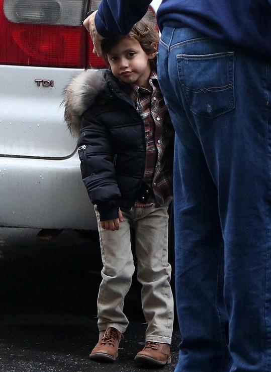Syn Jennifer Lopez Max je v Praze poprvé.