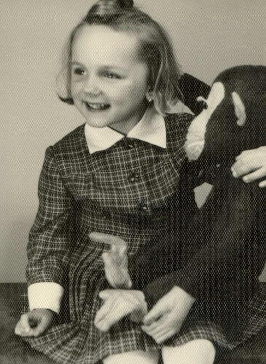 Malá Jana Petrů. Poznali byste ji?