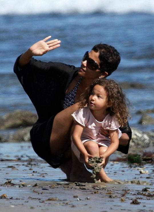 Nahla zdědila po mamince Halle Berry exotickou krásu.
