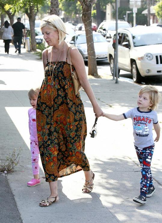 Tori Spelling, Liam a Stella.