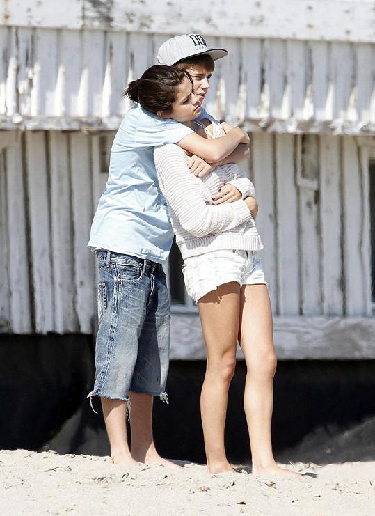 Justin s přítelkyní Selenou Gomez.