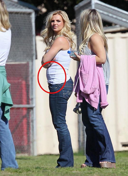 Britney před dvěma měsíci měla o 15 kilogramů kilogramů víc.