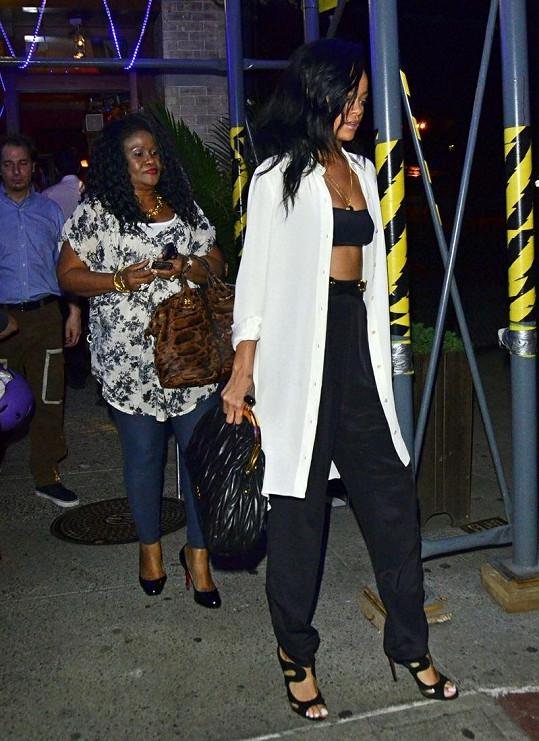 Rihanna a Monica oslavily Den matek.