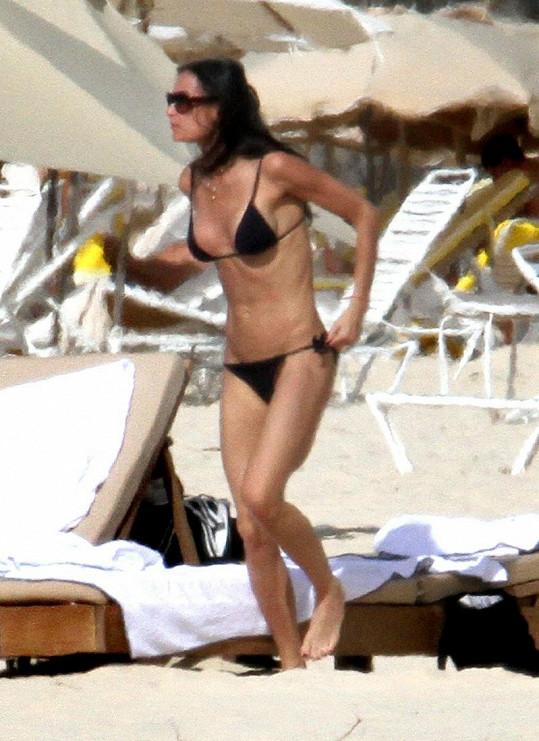 Demi Moore si vždy udržovala štíhlou postavu.