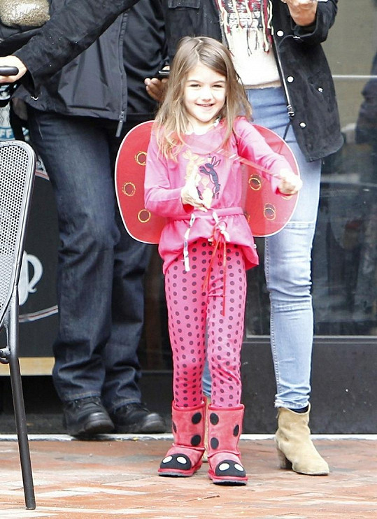 Dcera Toma Cruise a Katie Holmes je velmi roztomilá.
