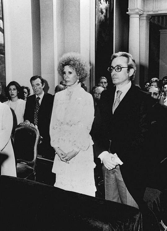 Druhá svatba vévodkyně z Alby, v roce 1978 si brala bývalého kněze Jesúse Aguirru y Ortiz de Zárate.