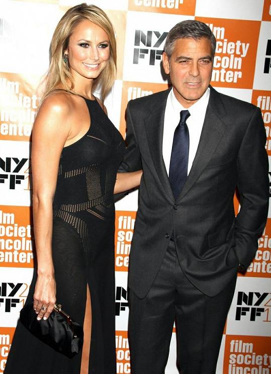 Nová partnerka George Clooneyho je bývalou wrestlerkou.