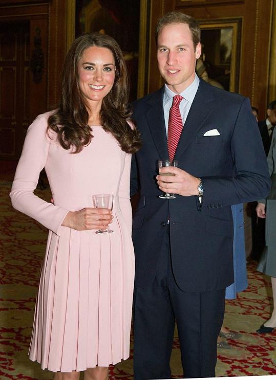 Kate s Williamem před dvěma týdny na slavnostním obědě.