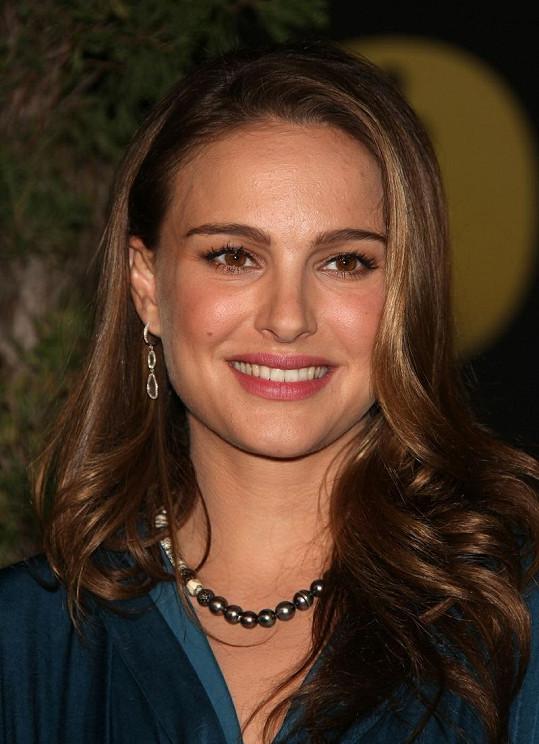 Natalie Portman je šťastnou matkou.