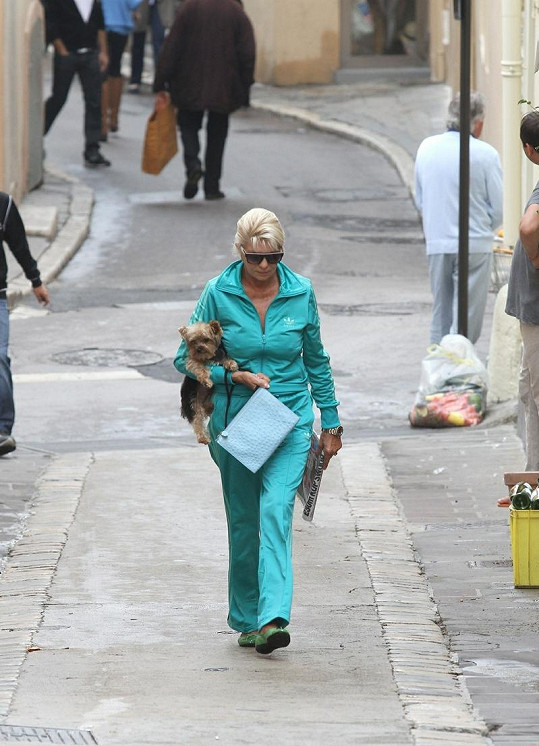 Ivana Trump na Azurovém pobřeží.