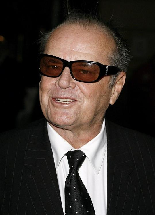 Takhle to Nicholsonovi slušelo před třemi lety na premiéře filmu Než si pro nás přijde.