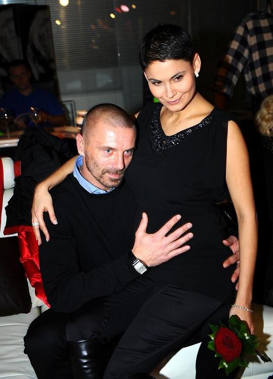 Vlaďka Erbová a Tomáš Řepka se těší na narození syna.