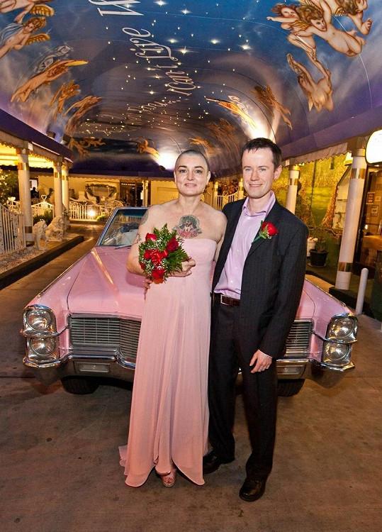 Novomanželé Sinead O'Connor a Barry Herridge.