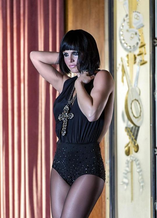 Britney Spears na fotografii propagující její parfém Fantasy Twist.