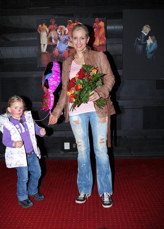 Tereza s Emily po představení Bídníků.