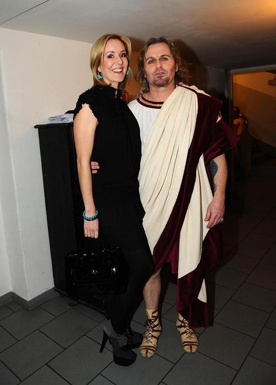 Jovanka s manželelem Pepou Vojtkem, který byl v kostýmu Marka Antonia.