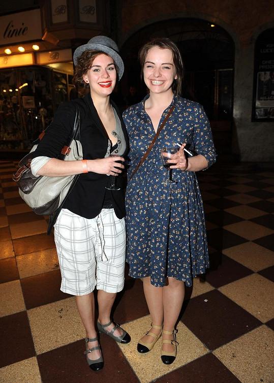 Markéta Frösslová si pořídila s kamarádkou stejné boty.