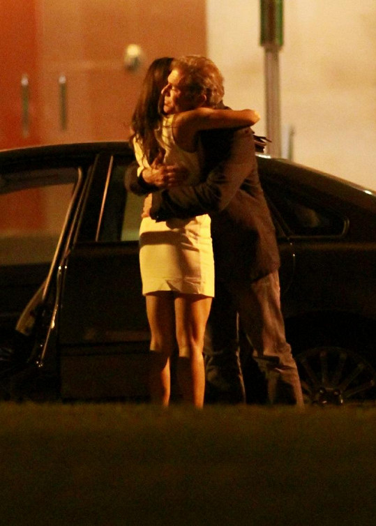 Azita Ghanizada a Mel Gibson mají opravdu vřelý vztah.