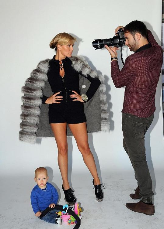 Modelka měla sebou i syna Maxe.