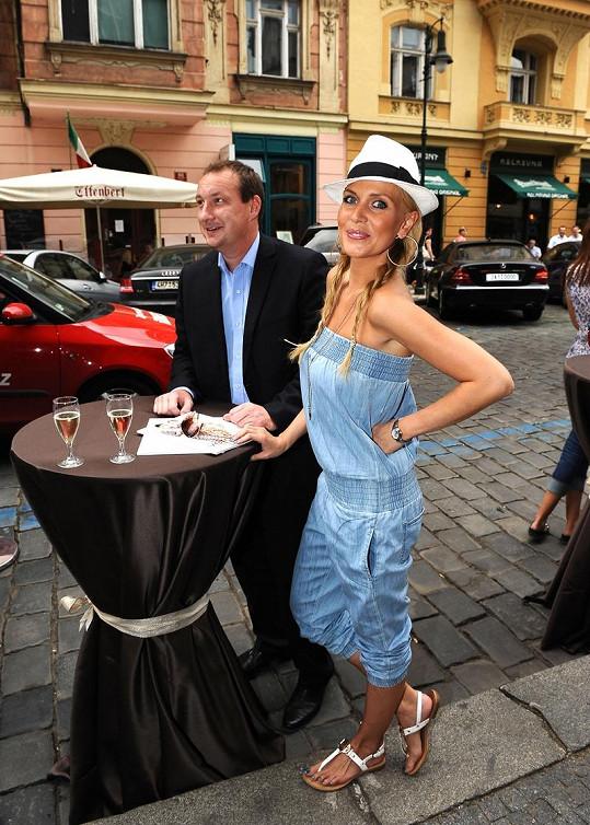 Na přehlídku se přišla podívat také Michaela Ochotská s přítelem Michalem Exnerem.