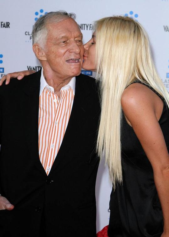 Na první pohled se Hugh Hefner a Crystal Harris velmi milovali.