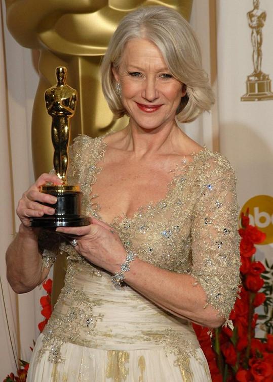Helen za roli britské královny získala Oscara za hlavní ženský herecký výkon.