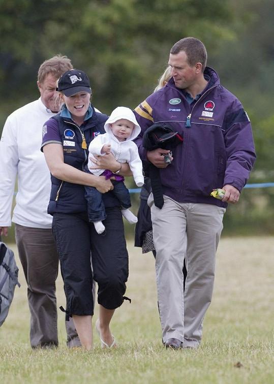 Královská rodinka: Peter a Autumn Phillipsovi se starší dcerkou Savannah.